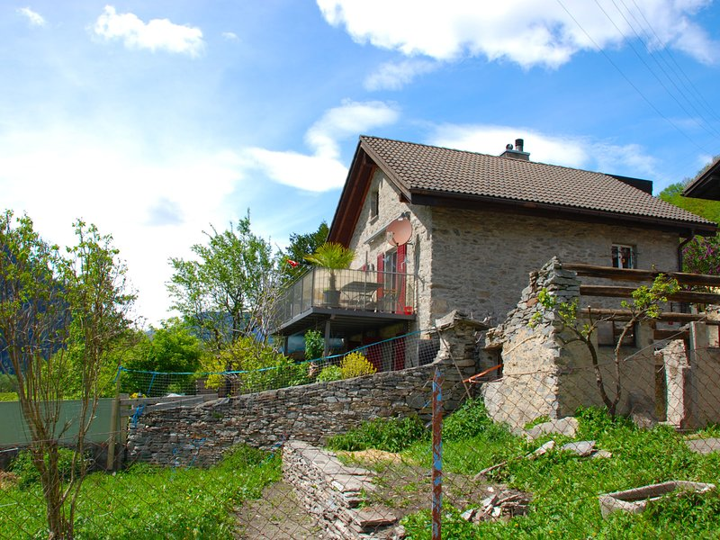 Rustica, holiday rental in Airolo