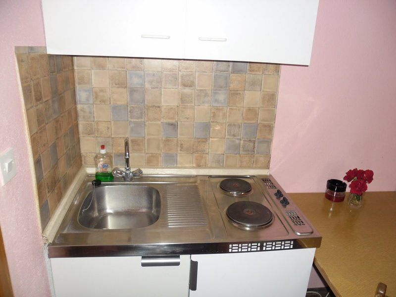 Holiday home 147566 - Holiday apartment 133263, casa vacanza a Konjevrate