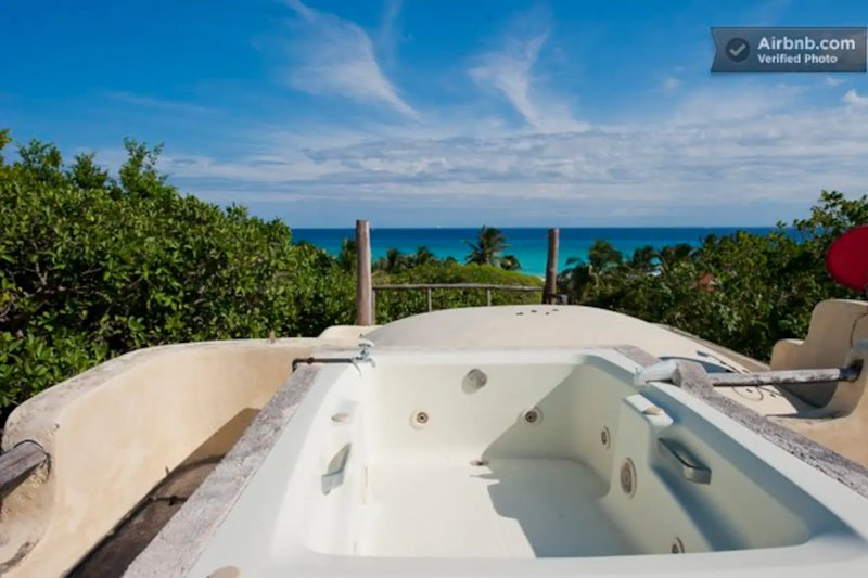 Xaguar 10 recamaras · 10 Bedrooms: Perfect for Groups or Retreats, holiday rental in Playacar