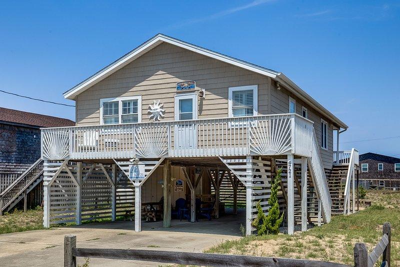 Sandpiper Shore Cottage | 682 ft from the beach | Hot Tub | Kitty Hawk, casa vacanza a Kitty Hawk