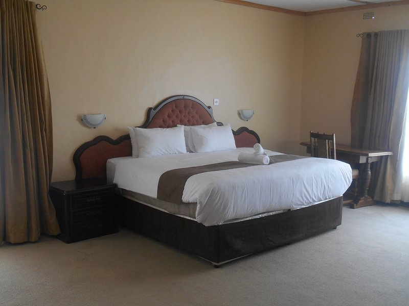 Room 1 Pebble Rock Lodge, vacation rental in Bulawayo