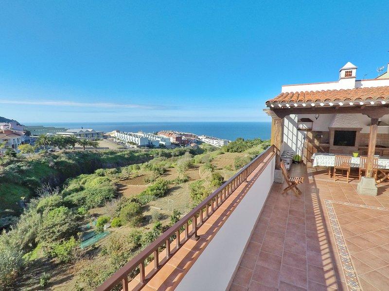 Canary Biohostel Room Guayabero for two ( trekking, surf, paragliding and calm), aluguéis de temporada em Los Realejos