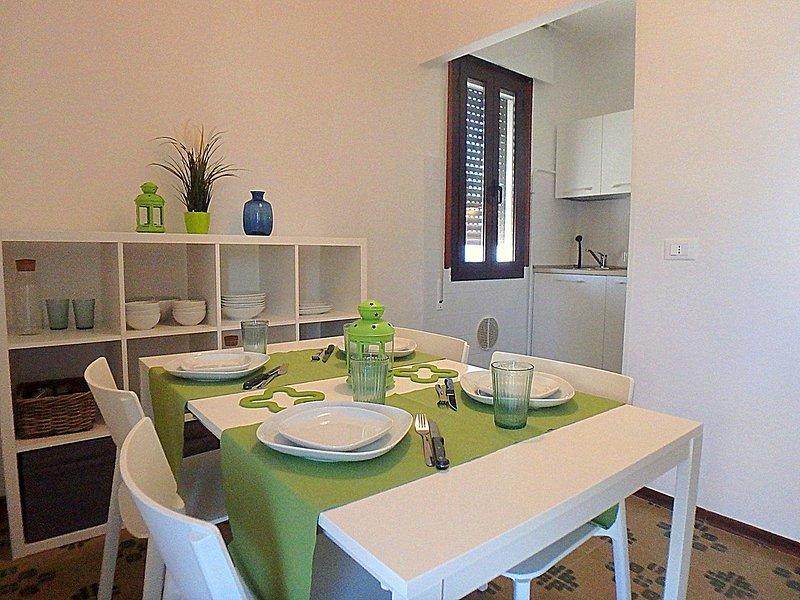 Appartamento Sandra: appartamento trilocale climatizzato con garage e posto auto, vacation rental in Porto Garibaldi