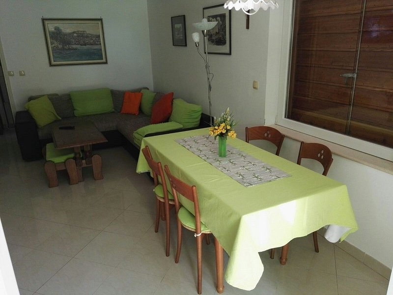 Holiday home 167352 - Holiday home for sole use 173562, location de vacances à Jadrija
