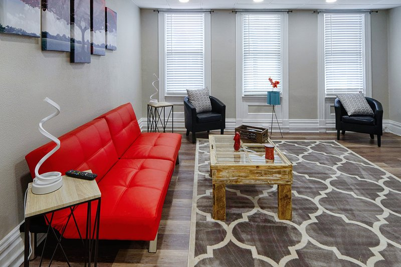 Big Red In little Italy- lawrenceville-Pittsburgh, holiday rental in Armstrong County