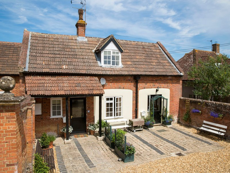 Stable Cottage, holiday rental in Erlestoke