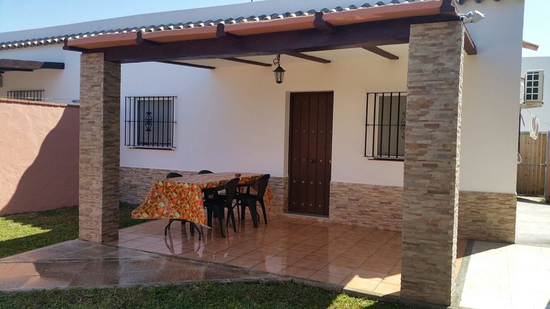 CASA EN EL PALMAR CERCA DE LA PLAYA, holiday rental in El Palmar de Vejer