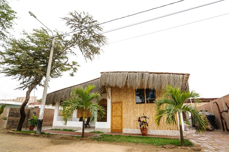 Casa Punta Sal / Huluwaju, vacation rental in Cancas