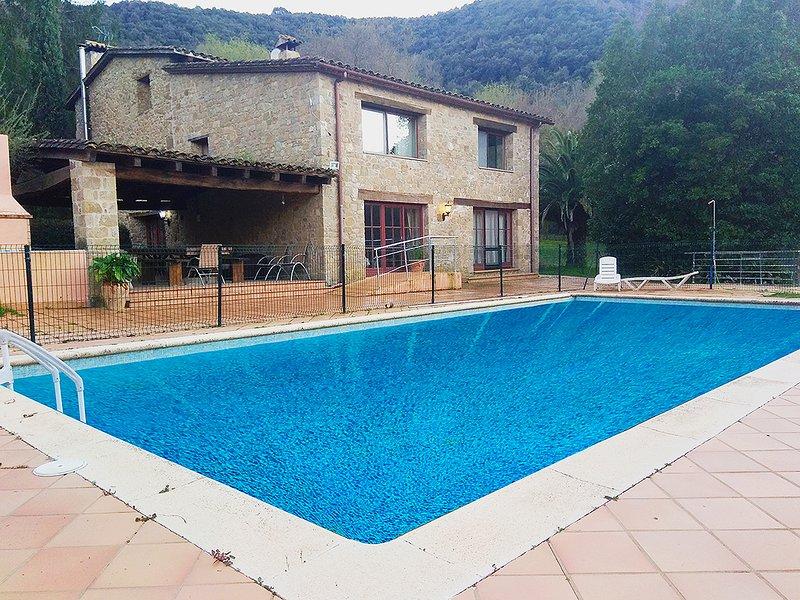 Masía CAN PAU SORD con piscina cerca de Banyoles - Girona, aluguéis de temporada em Centenys