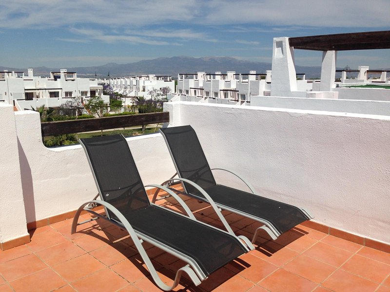 CDA01- 2 Bed 1 Bath Golf Apartment, communal pool, with roof terrace, holiday rental in Gebas