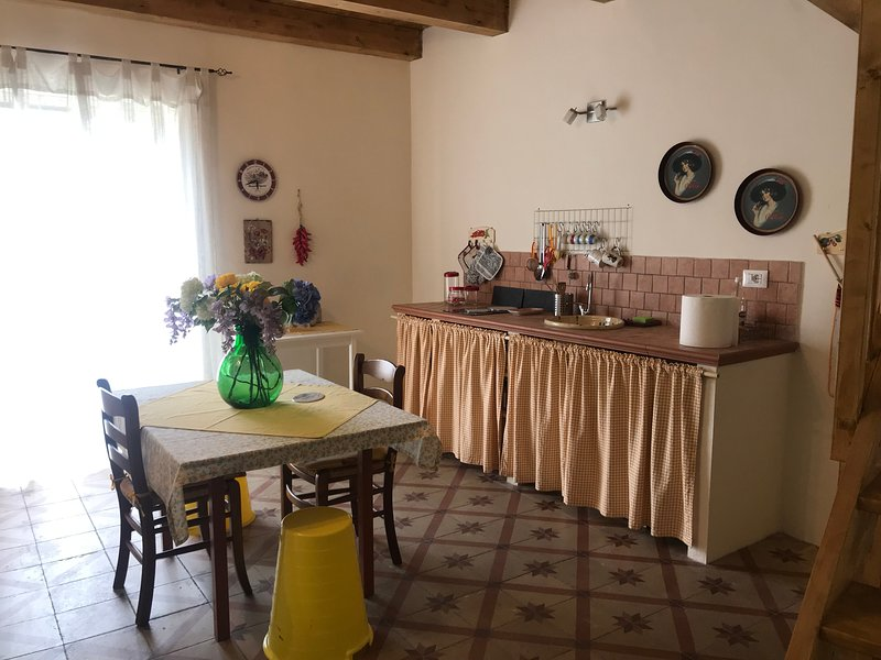 Nice house with mountain view, vacation rental in Lorica