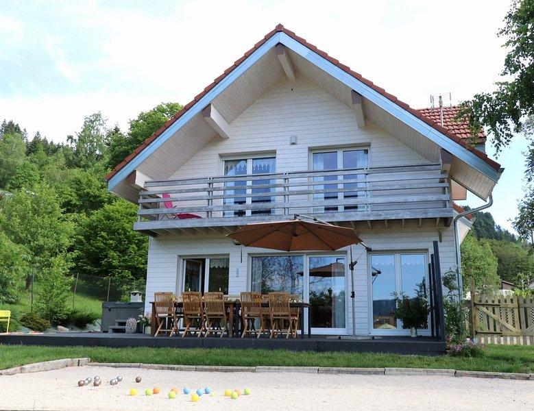 Chalet 4* luxe au calme,sauna,piscine, jacuzzi,pétanque,aire/jeux,babyfoot,jeux, vacation rental in La Bresse