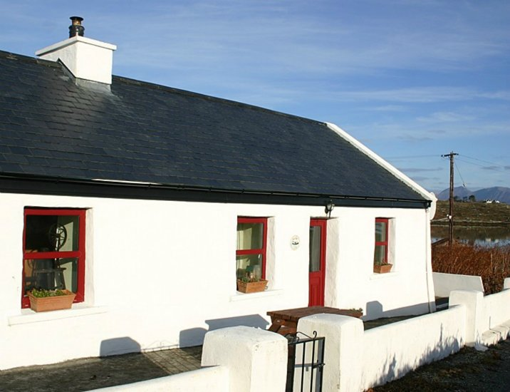 Roundstone 134 Seans Cottage Inishnee, vacation rental in Roundstone