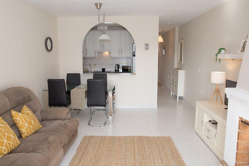 Great 1 Bedroom Apartment, holiday rental in Mojacar Playa