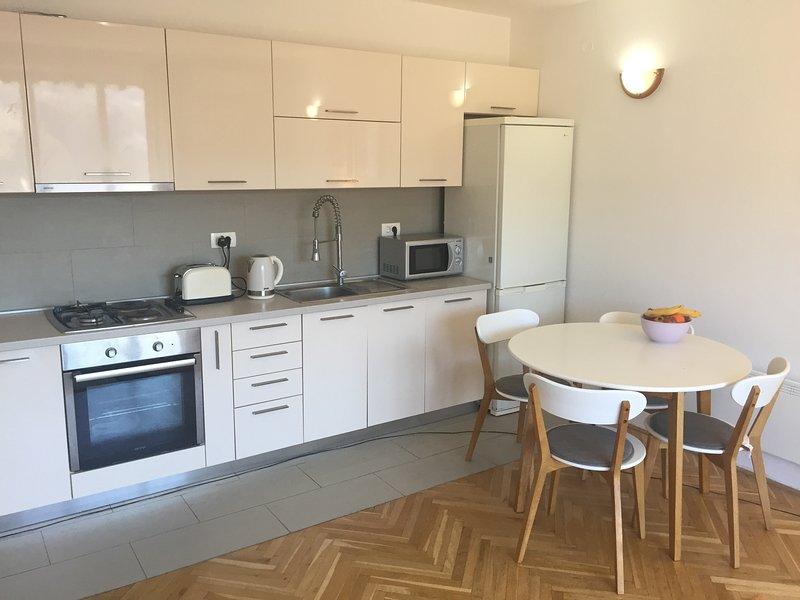 Milan's Place, holiday rental in Herceg-Novi