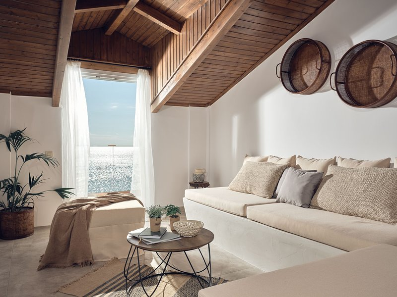 Shellona Luxury Rooms- Superior 3 Bedroom Apartment Sea View, holiday rental in Laganas