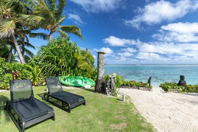 Absolute Beachfront Villa – beachfront bliss, vacation rental in Rarotonga