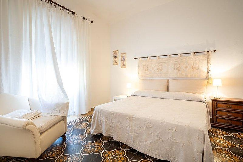 Alle Pavoncelle - 1 camera matrimoniale con bagno privato, vacation rental in Portoscuso
