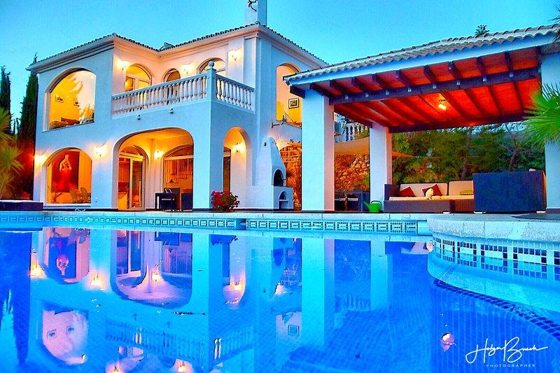 Villa Axarquia, holiday rental in Iznate