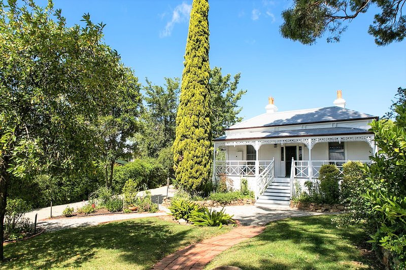 Fairbank House - an authentic Australian experience, vacation rental in Harcourt