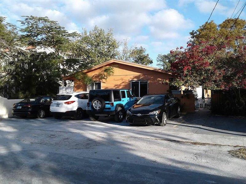 DREAM ROOM #1 (para 2 hasta 5 personas) cerca de Miami, Florida 33009, EE.UU., location de vacances à Pembroke Park