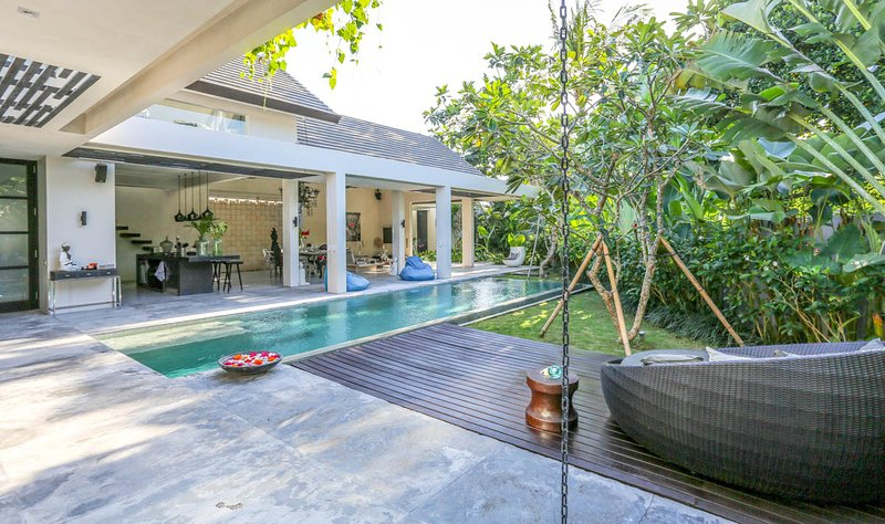 Tunoon Villa Sleeps 6 with Pool and Air Con - 5791715, holiday rental in Dalung