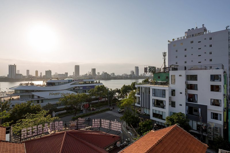 Marinas Penthouse Close To popular attractions, vacation rental in An Hai Dong