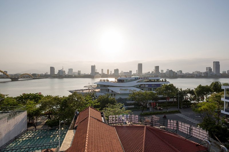 Marinas Penthouse Close to beaches, vacation rental in An Hai Dong