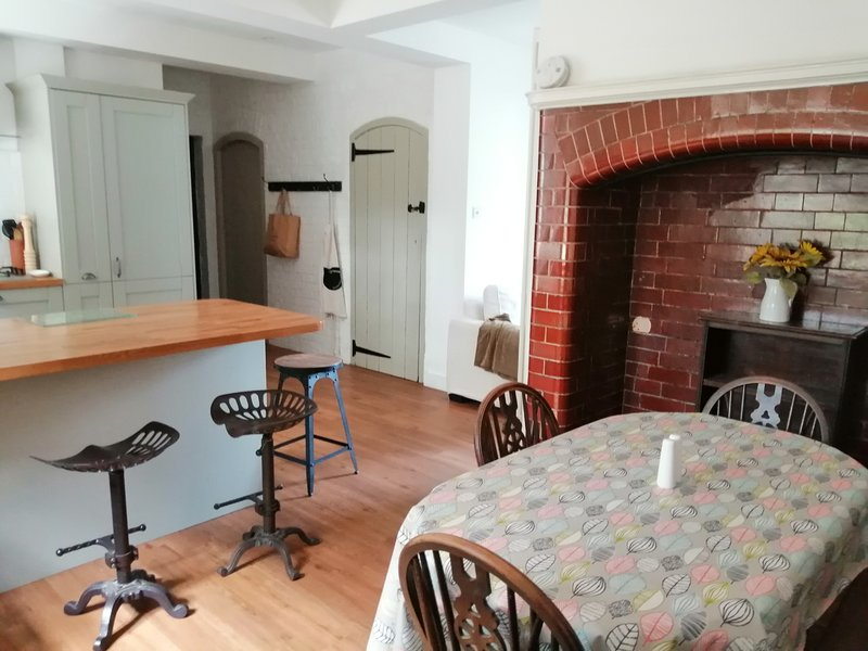 Brownlow Accommodation, vacation rental in Hindhead