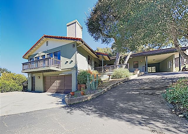 New Listing! Oak View: Large Family Home in Wine Country w/ Private Hot Tub, alquiler vacacional en Santa Margarita