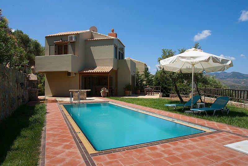 Traditional Villa Malathiros 3, holiday rental in Kakopetros