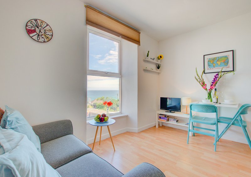 Flat 2, Whiterock, holiday rental in St Ives