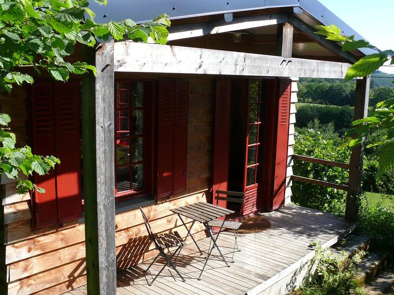 Chalet des Chevreuils, location de vacances à Ménessaire