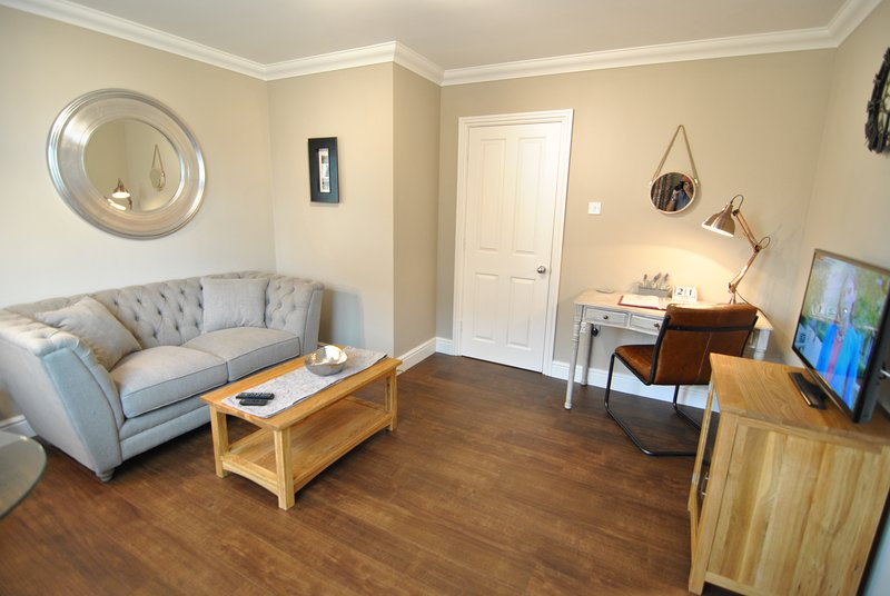 6a Lord Raglan House by Accommodation Windsor, holiday rental in Winkfield