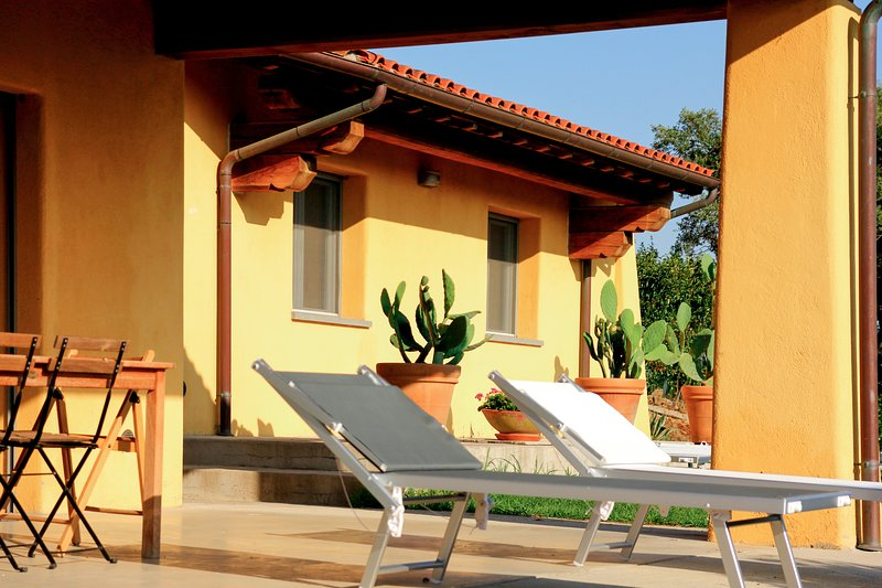 La Villa de 'Le Pettegole del Boschetto', holiday rental in Tirli