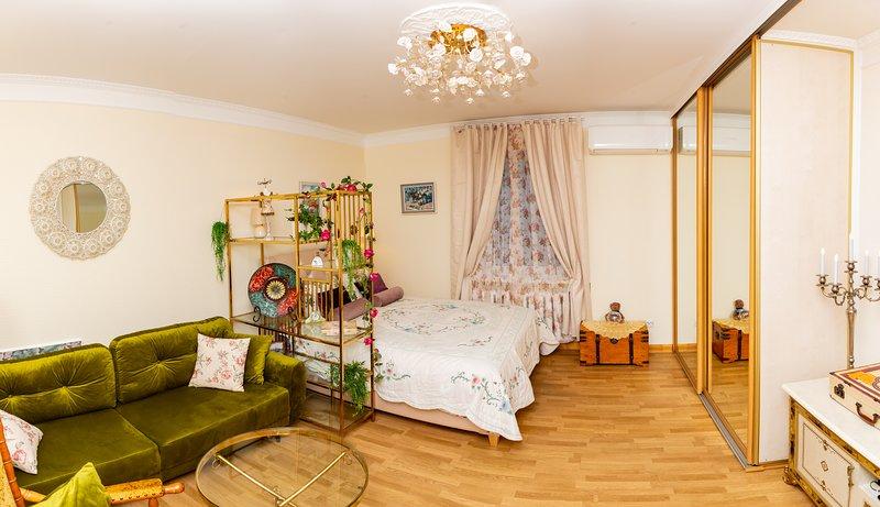 La Boheme the magic of past and present Riga & free parking, holiday rental in Jurmala