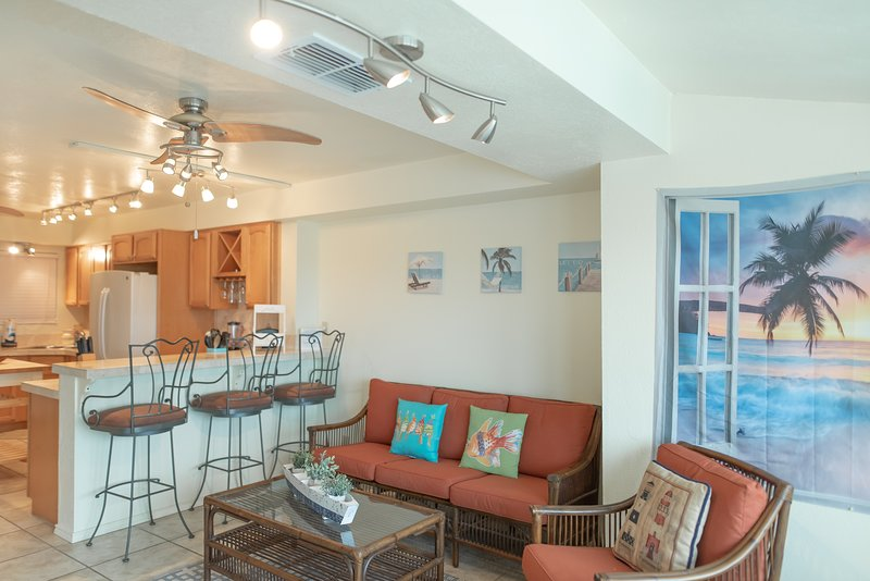Furniture,Chair,Ceiling Fan,Indoors,Room
