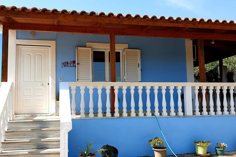 Beautiful 2-Bed Villa in Zakynthos, holiday rental in Lithakia