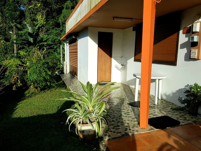 Nice house with terrace, casa vacanza a Marigot