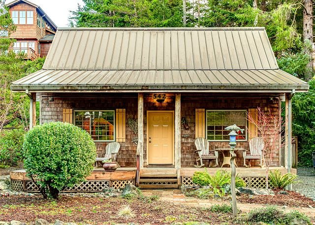 Cozy Cabin - NEW LISTING - Intimate cabin that's close to the beach and City, vacation rental in Manzanita