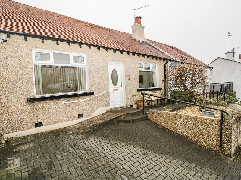 Cosy Bee, Heysham, holiday rental in Overton