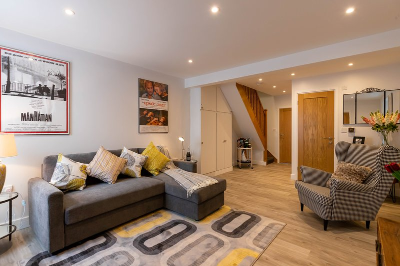 Film View Cottage Near, the famous Elstree Studios, vacation rental in Borehamwood