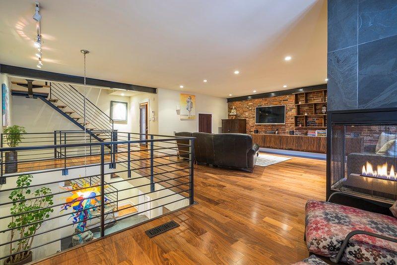 ROCKSTAR Million-Dollar Mansion in OLD CITY, vacation rental in Mount Laurel
