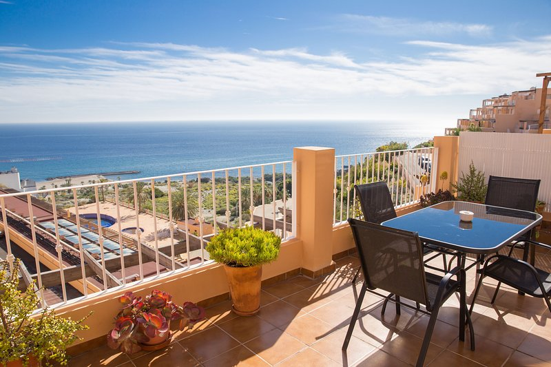 Mojacar, Spain. Penthouse Apartment, Seaview, Large private terrace!, holiday rental in Mojacar