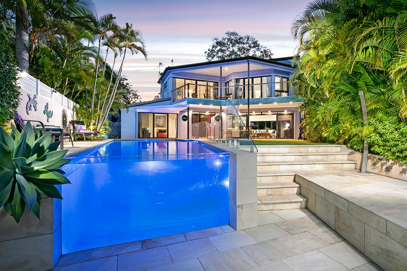 Welcome to your own private resort in the centre of Australia's subtropical paradise Noosa
