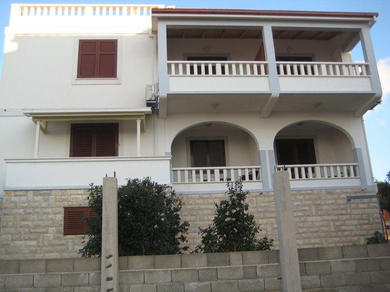 Dragi A2(2) - Maslinica, aluguéis de temporada em Grohote
