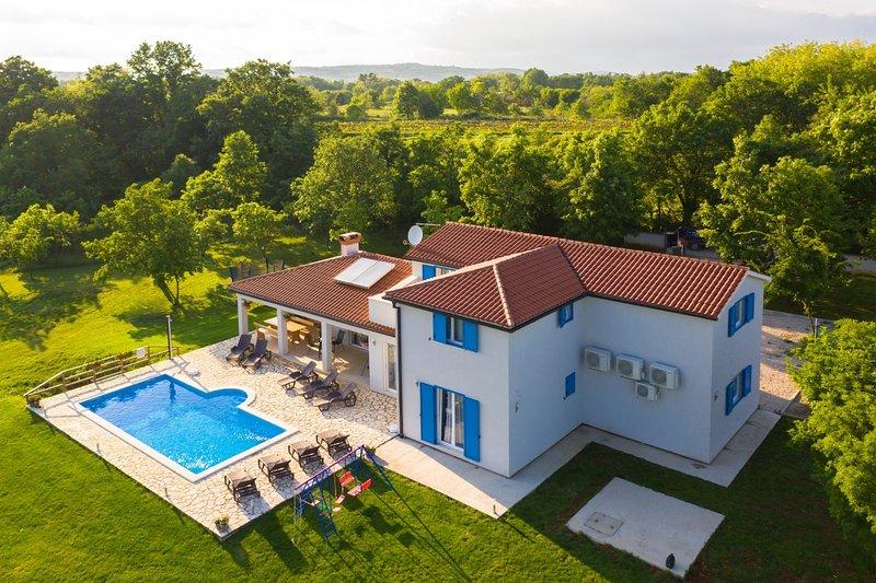 LariF - luxury in nature: H(10+2) - Nedescina, casa vacanza a Sumber