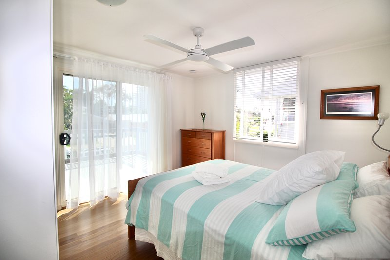 Aloha Alex Beach House Pet-friendly 450m from the beach - wifi, holiday rental in Diddillibah