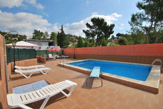 Terrafortuna Villa Sleeps 8 with Pool and Free WiFi - 5509038, holiday rental in Cartella