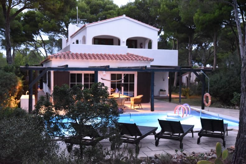 Casa Rockmorell, Cala Morell, Menorca, vacation rental in Ciutadella